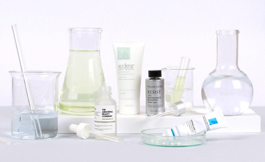 Xem xét nồng độ hoạt chất trong serum để đáng giá serum trị mụn nào tốt