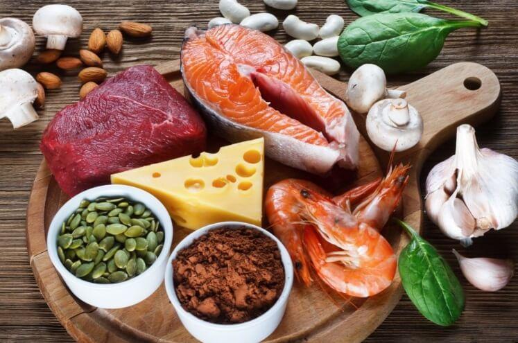 Duy trì chế độ ăn đầy đủ chất dinh dưỡng để bổ sung đủ kẽm