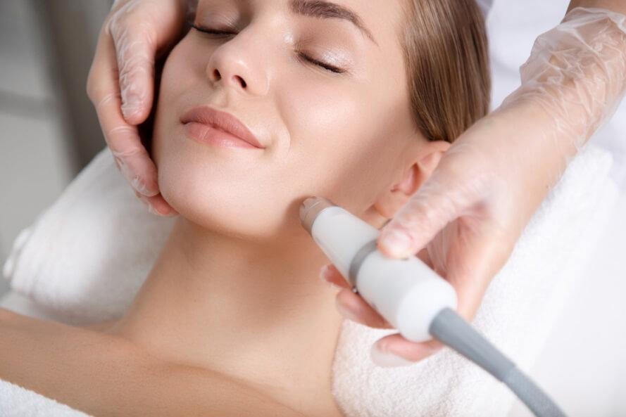 Massage giúp thư giãn và giảm căng thẳng