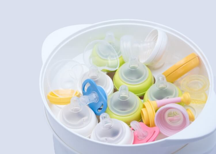 Máy tiệt trùng bình sữa có thể loại bỏ được 99,9% vi khuẩn mà không cần đến chất tẩy rửa