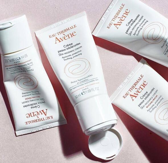 Avene skin recovery cream trên nhãn có dán dành riêng cho da nhạy cảm